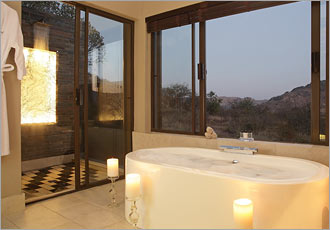 Luxury bath with all the smellies and candles